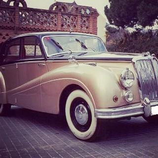 elClaxon Amstrong coche clásico