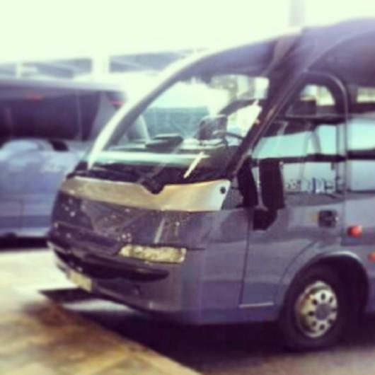 elClaxon Minibus Mago 2 exterior Barcelona