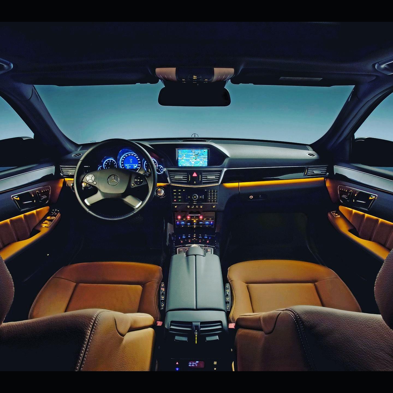 elClaxon interior mercedes E coche de lujo Barcelona