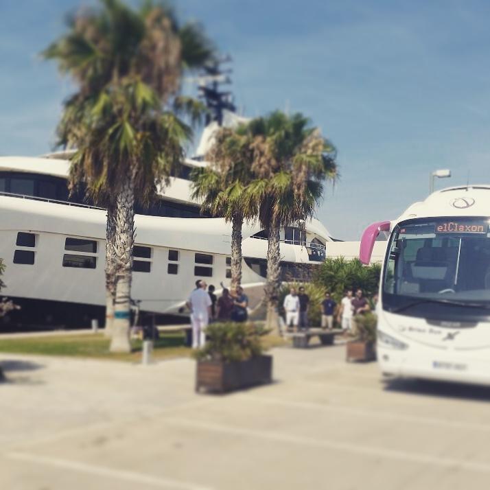 elCLaxon Autocar i6 irizar excursion Barcelona puerto