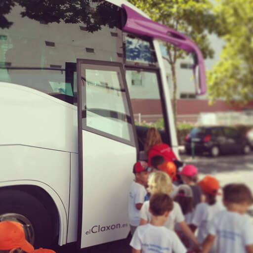 Alquiler de autobús para transporte escolar