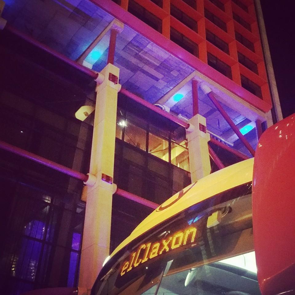 Alquiler de autocar para cenas de empresa y cenas de navidad en Barcelona.