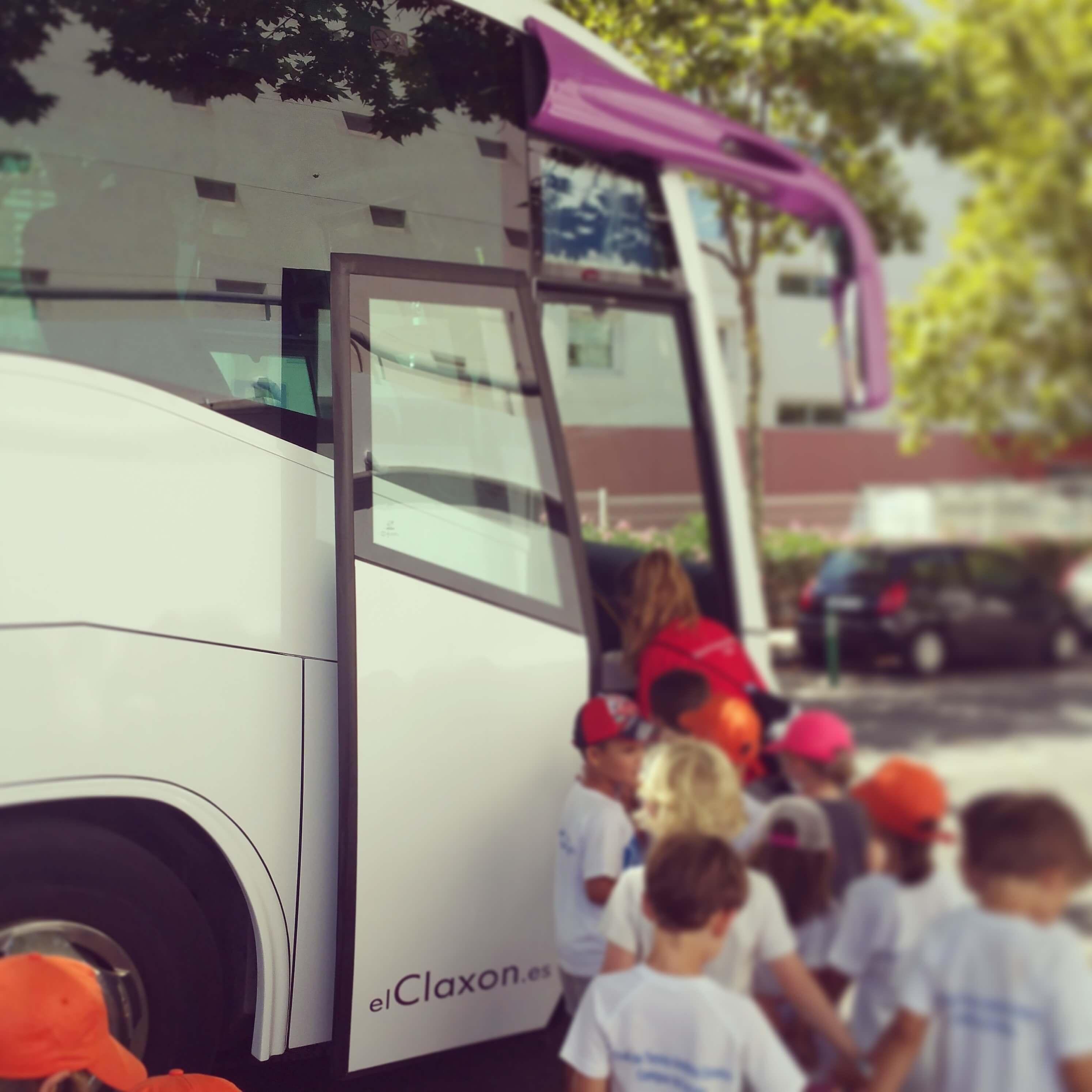 elClaxon Transporte escolar Barcelona